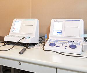 各種聴力検査装置